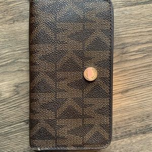 A Michael kors wallet